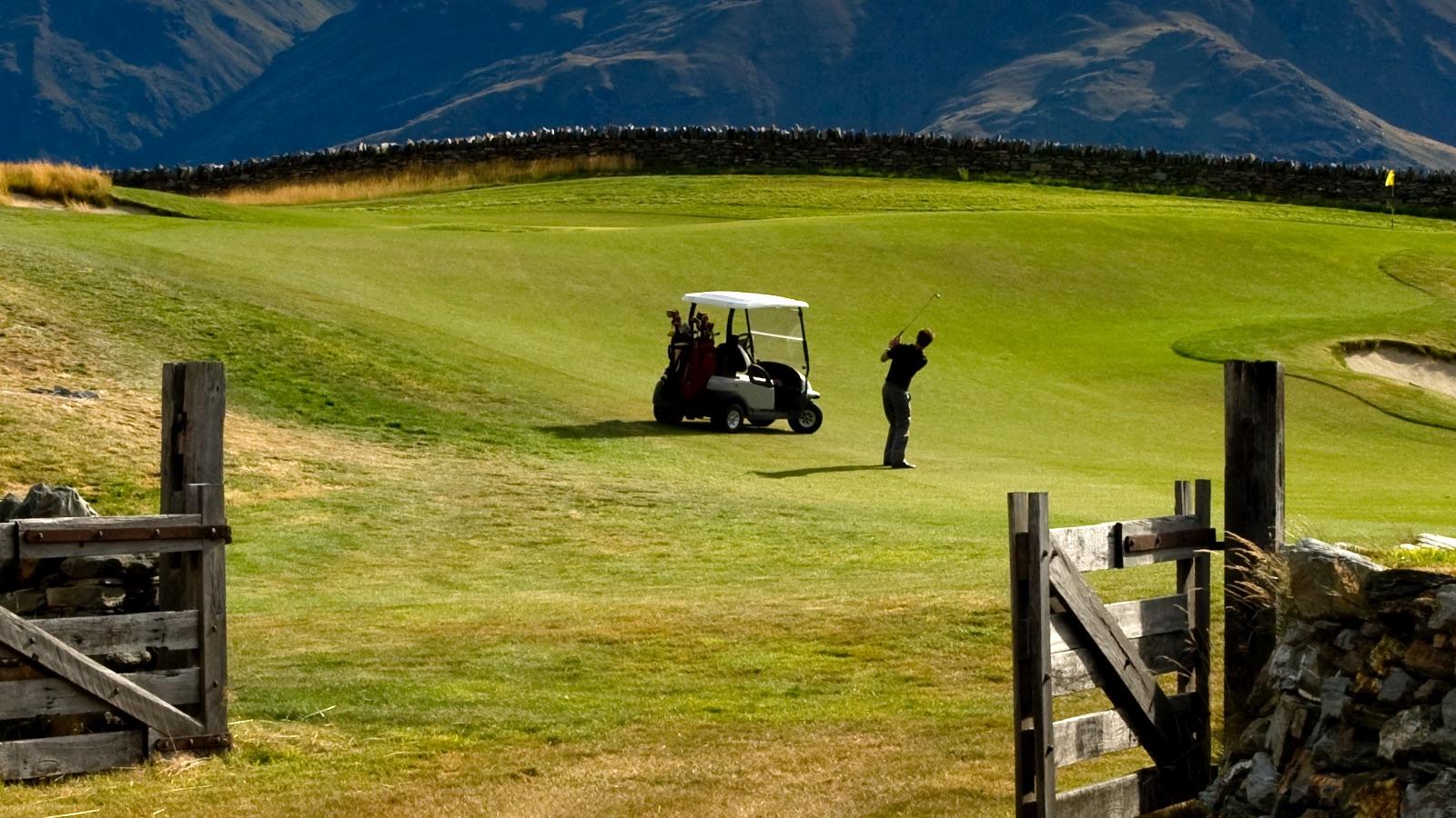 9562594abc47 1600x900-golf-10.jpg
