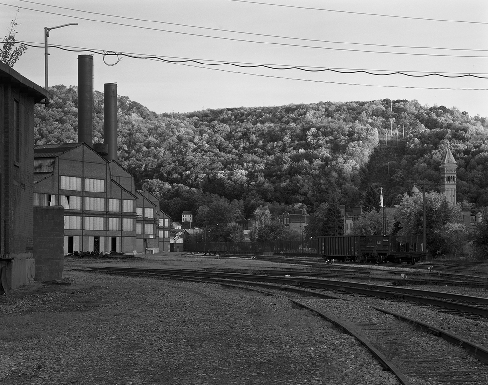 Support tracks and an interchange yard that runs parallel to Washington St fans out behind the Gautier Works in town, illustrating the Work's dependency on the railroad to transport both raw and finished materials from just one of the many divisions of the Bethlehem Works.