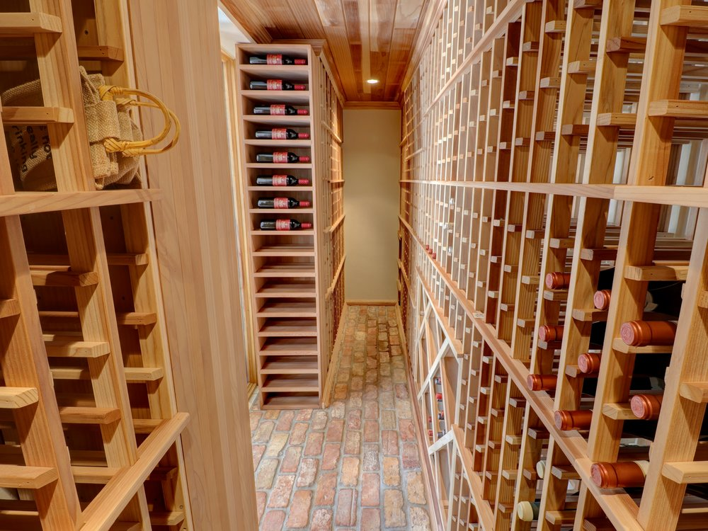 100_cape_fl_wine_room.jpg