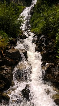 waterfall-946206__340-pixabay.jpg
