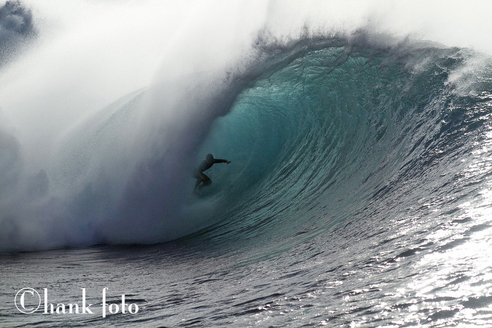 KOA ROTHMAN H2O PIPELINE HAWAII.jpg