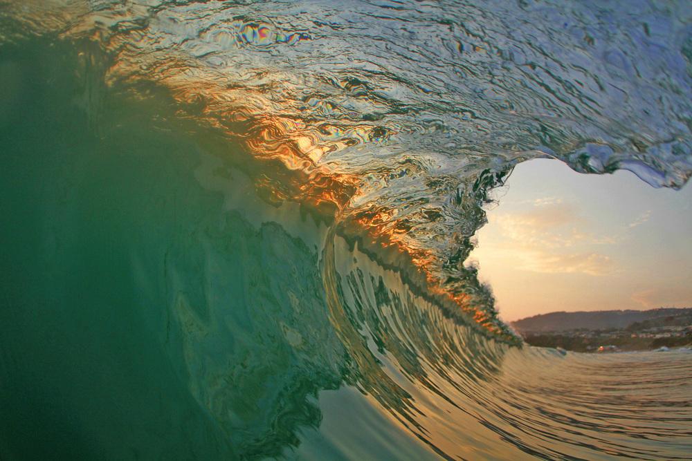 HOLLOW WAVE.jpg