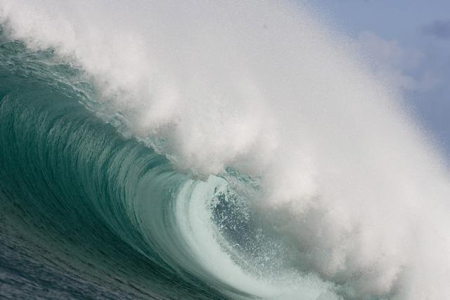 empty wave 1.jpg