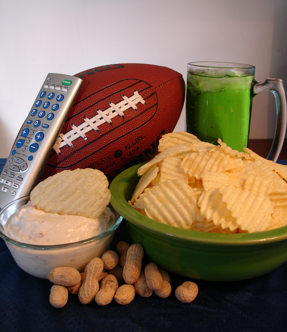 Ty is set to watch some NFL foot... wait, why the hell is his drink green?