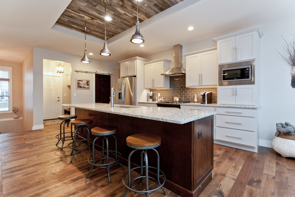 2935 DBR Kitchen 2.jpg