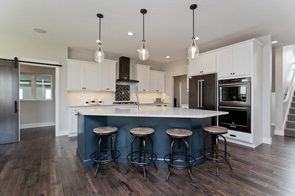 5125 SVC Kitchen 2.jpg