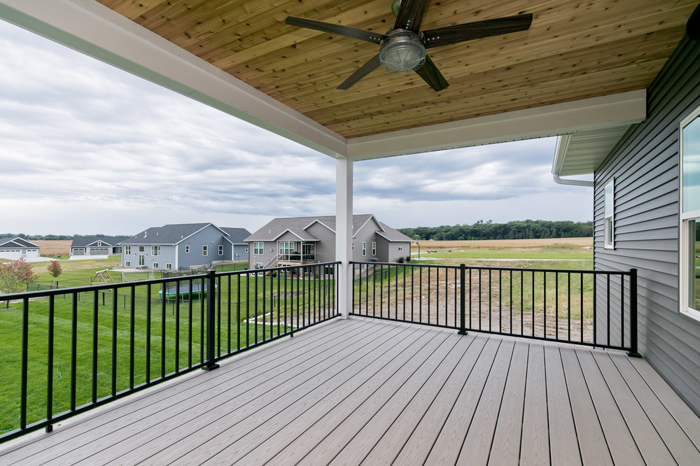 3088 WD Covered Porch.jpg