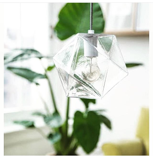 In ❤️ with this #geometric #pendantlight from @hamptons_at_home_sydney! The juxtaposition of the sharp #cleanlines with the #delicate glass are #beautiful! #swoon #lighting #lightingdesign #lightinspired #electrical #electrician #interiordesign #design #decor #geometricpendantlight #ceilinglight #renovations #style
