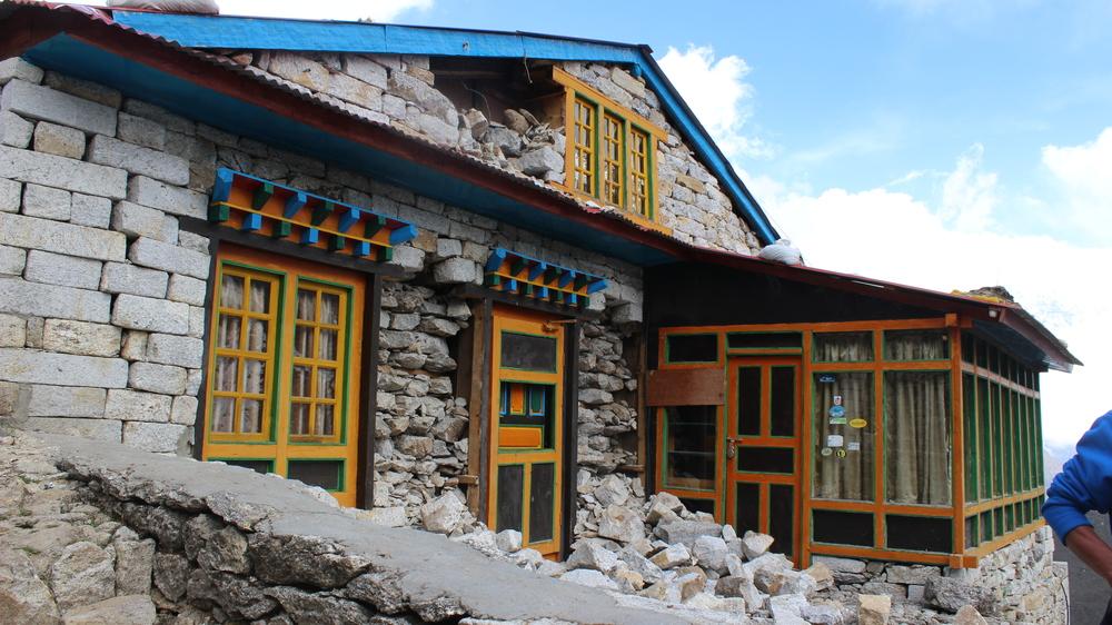 Thame Gonde Lodge (After)