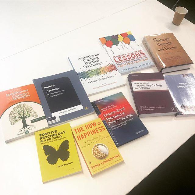 Hmmmm where to start... #positivepsychology #positiveeducation #goodreads #bookworm 🐛