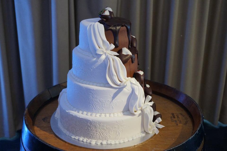 Modern Wedding Cake