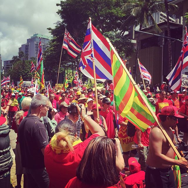 10,000 kanaka rallied together yesterday on Kalakaua Ave in the heart of Waikiki to march in solidarity against the desecration of our sacred Mauna Kea as well as the overdevelopment of our lands and further destruction of our sacred places. #whythemountain #maunakea #kukiaimauna #freehawaii