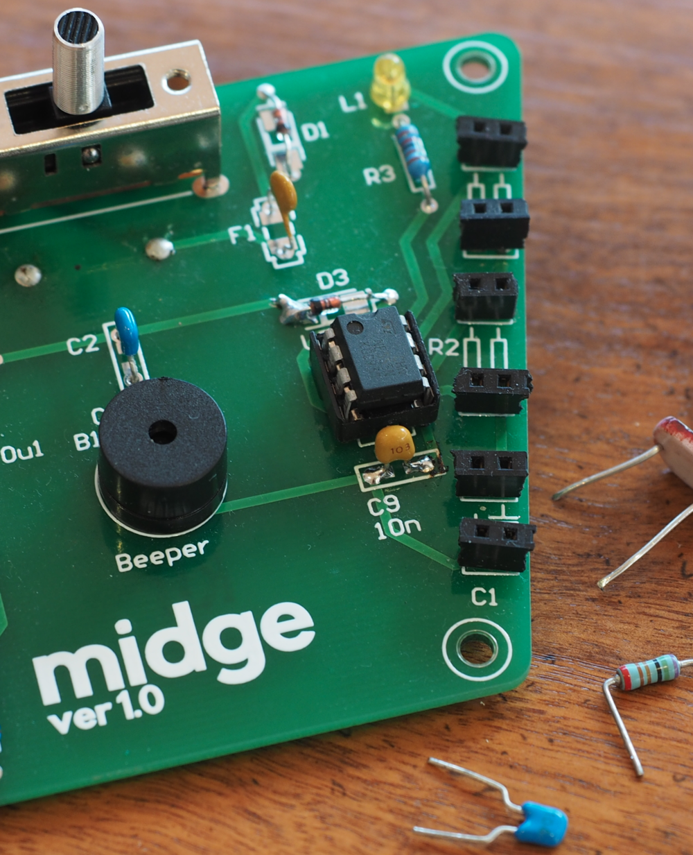 The 'midge' synthesizer