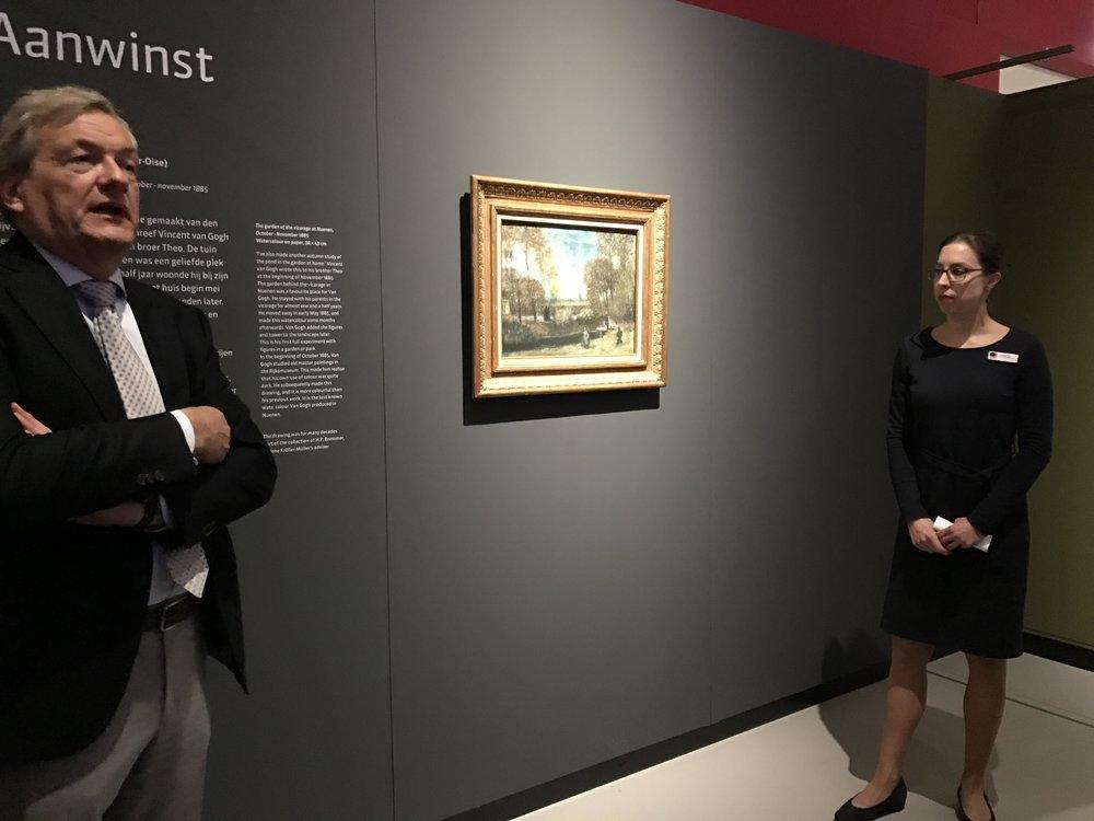 Directeur Charles de Mooij en conservator Helewise Berger bij de Van Gogh
