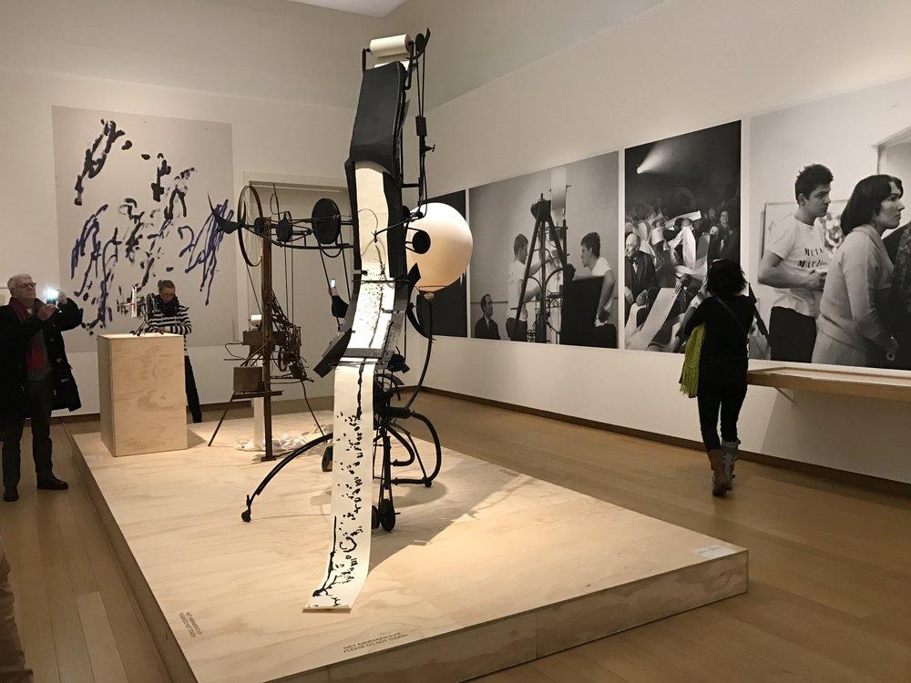 Tinguely, Stedelijk Museum, De Museumpodcast