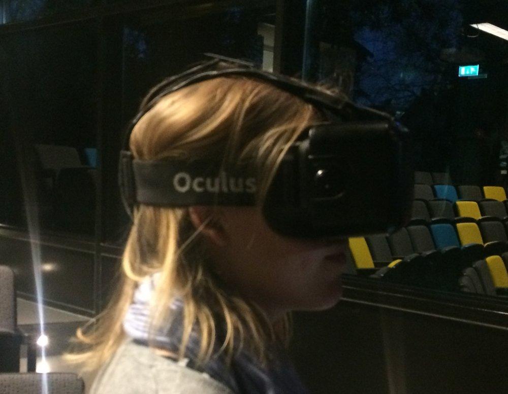 ik tijdens een VR demonstratie in 2016