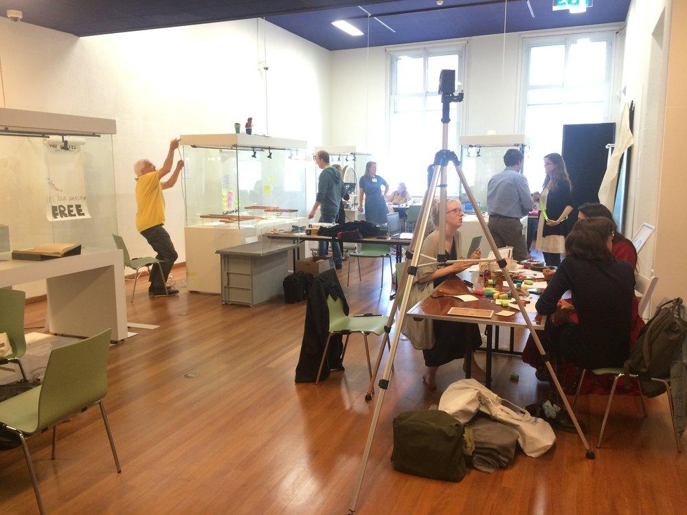 Tentoonstelling in opbouw tijden MuseumCamp 2016