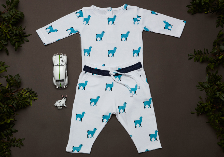 Look DOMINO body with all over lama blue print.jpg
