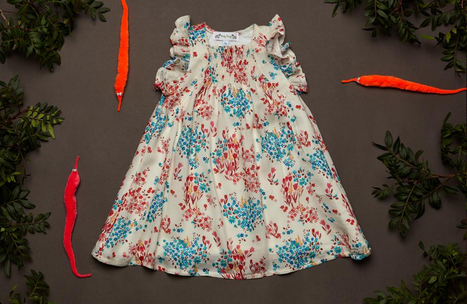 Look PAULA dress field flowers.jpg