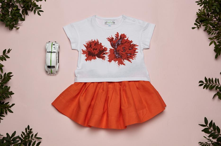 Look SCARLET skirt coral and KARA t shirt white Baby.jpg
