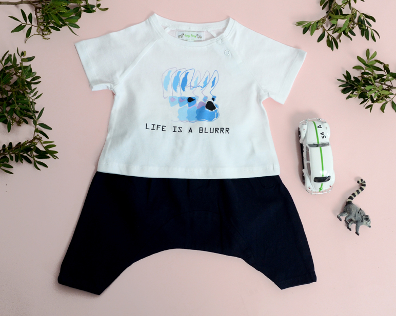 Look ASHTON BABY white tshirt with blue lama JUSTIN trousers navy.jpg