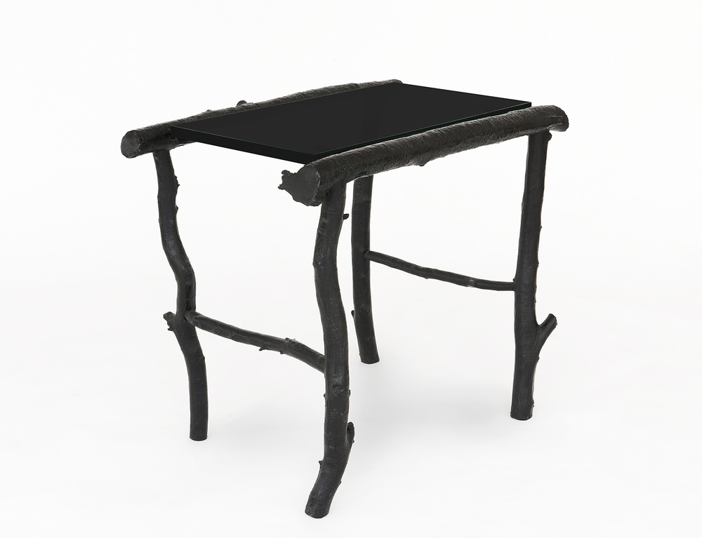 B&G Side Table 'Petit Trianon' black glass.jpg
