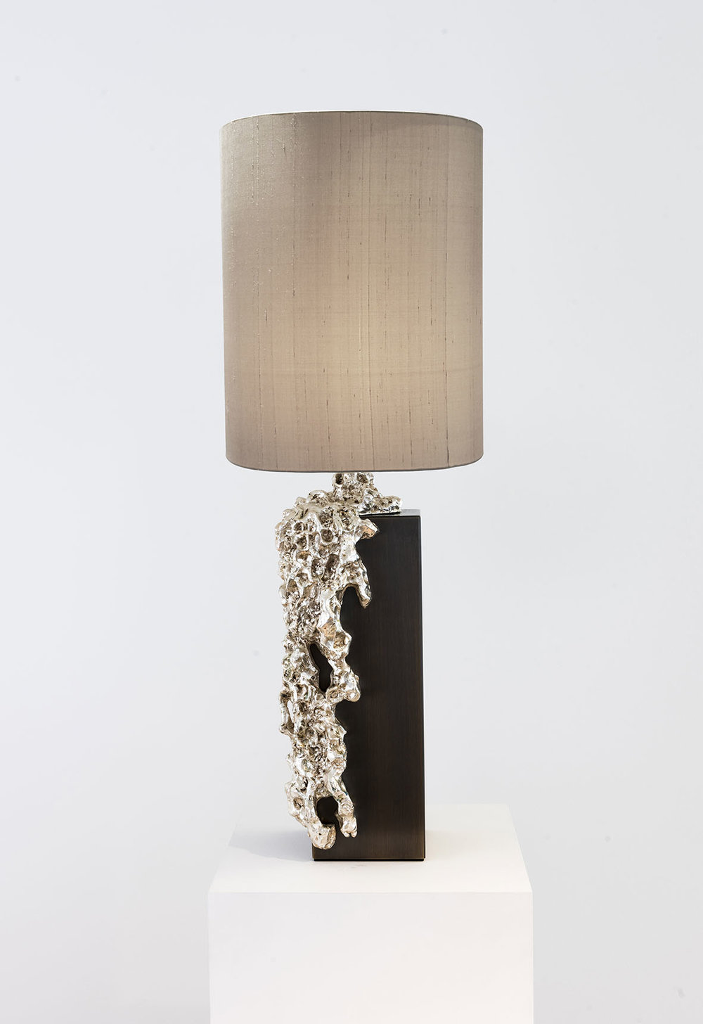 4. MB Table Lamp 'Garda' Bronze.jpg
