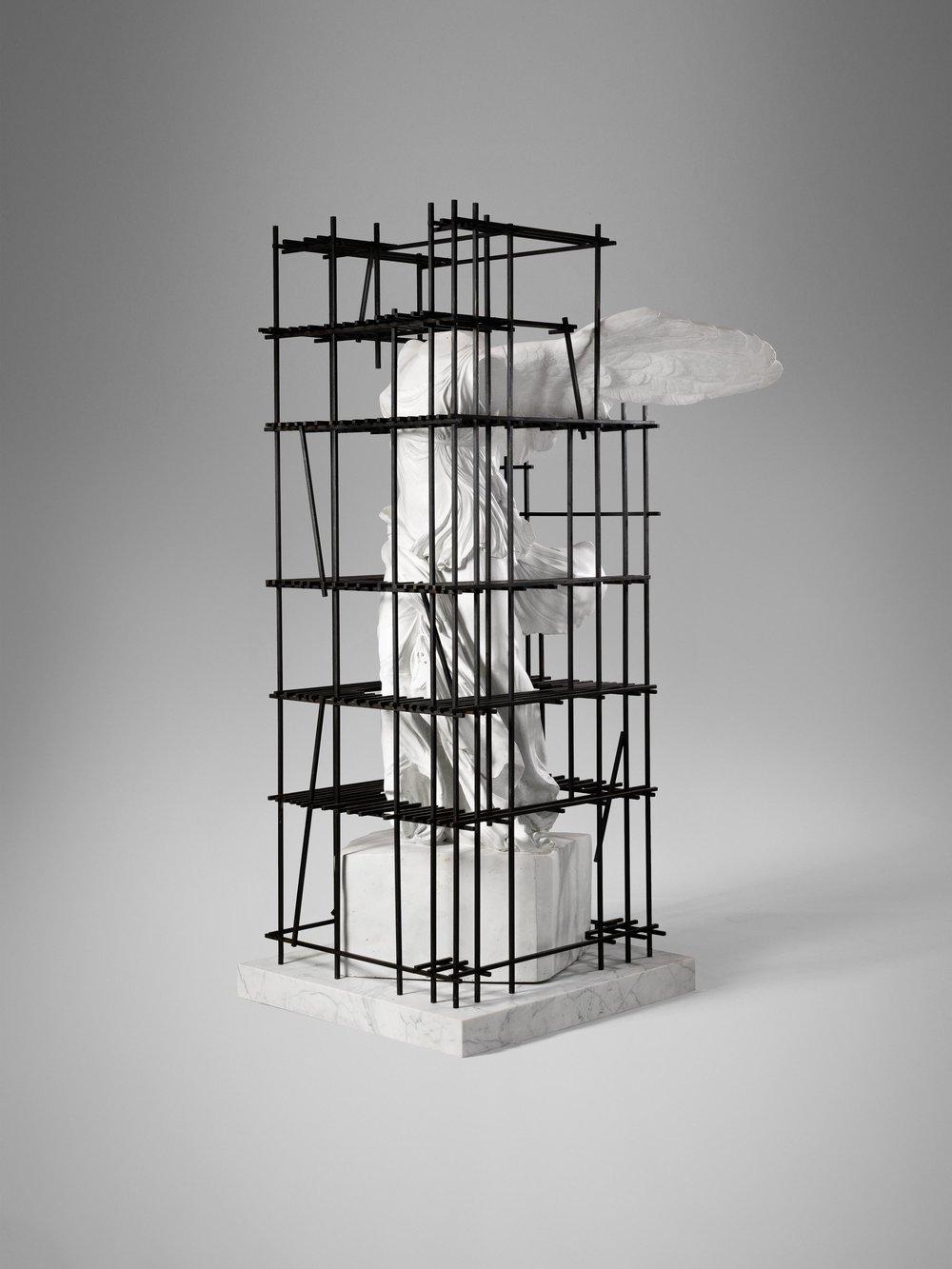 1. SE Etagere 'Antiquity Shelves Nike'.jpg