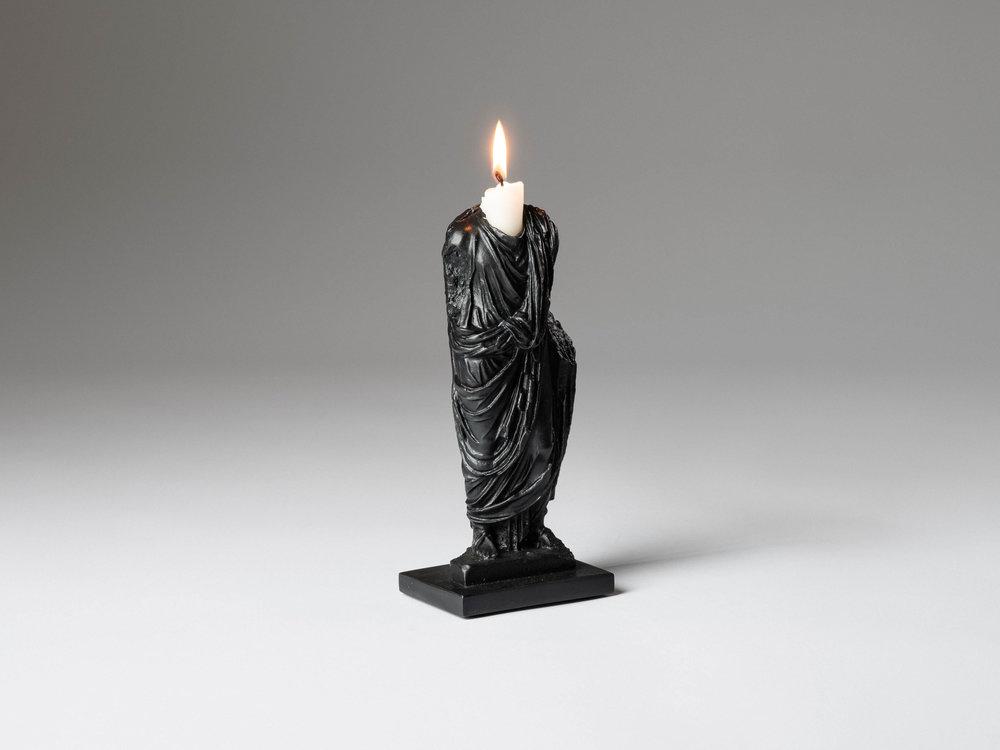 18. SE Candlestick 'Togado' black.jpg