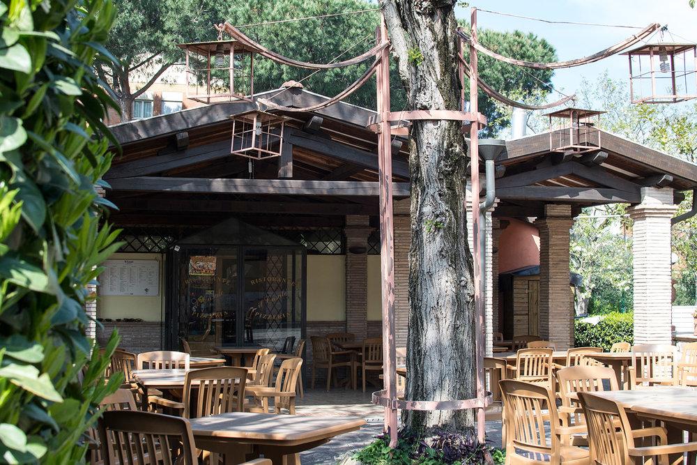 7-Il-Casale-Ristorante-Pizzeria-Eur-Home.jpg