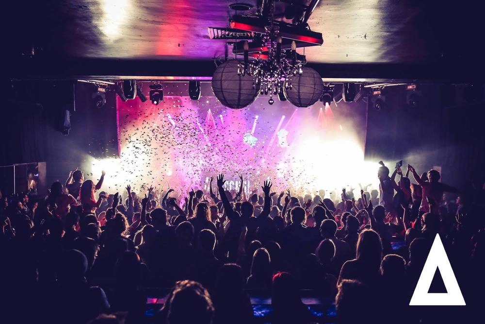 Confetti Cannons shot over Melbourne Club Night Crowd - Blaso Pyrotechnics