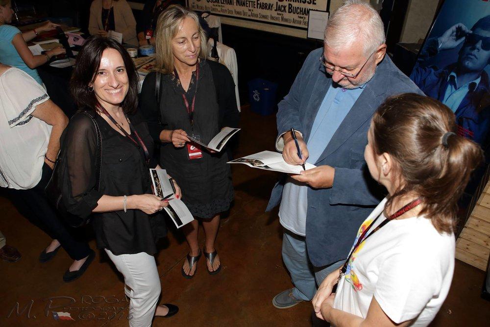 Zaorski signs autograph.jpg