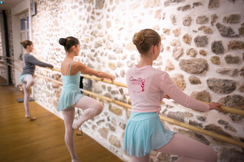 cours ecole danse classique la valette toulon enfant adulte pilates barre au sol eveil initiation debutant pas cher helivision.fr -84.jpg