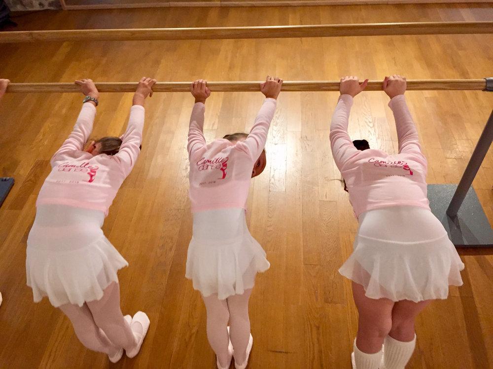 Camille Danse classique La Valette Toulon Barre au sol Pilates enfant adulte 2.jpg