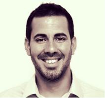 Tomás Andreu  CEO y founderde  Atípics.cat ,  Momentum Project  y   Bwin