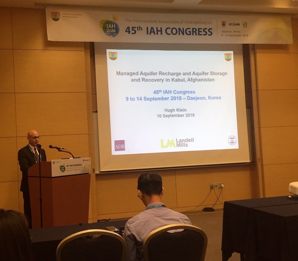 Hugh Klein presenting at the 45th International Association of Hydrogeologist Congress, South Korea