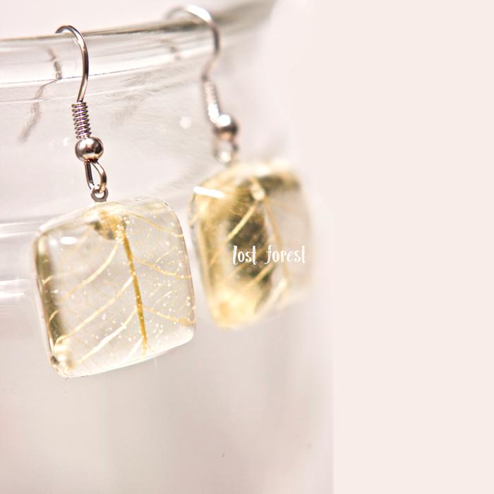 leaf-earrings.png
