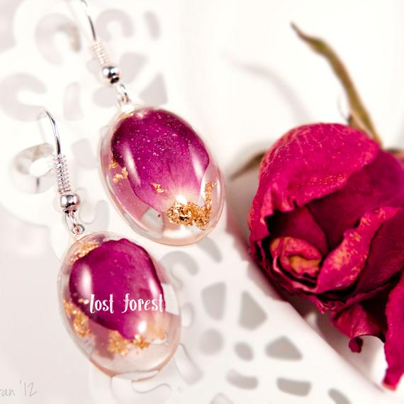 rose-earrings.png