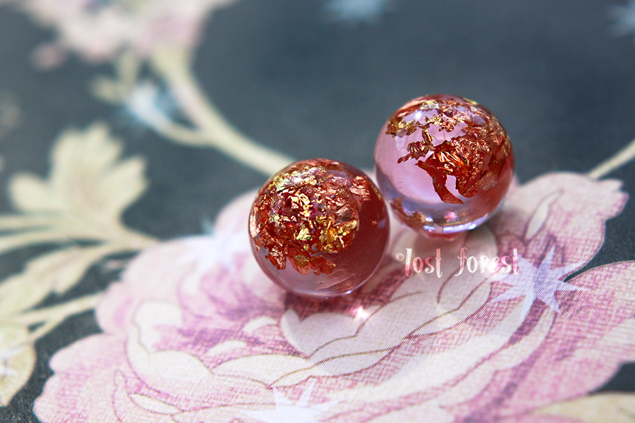 pinkglobes.png