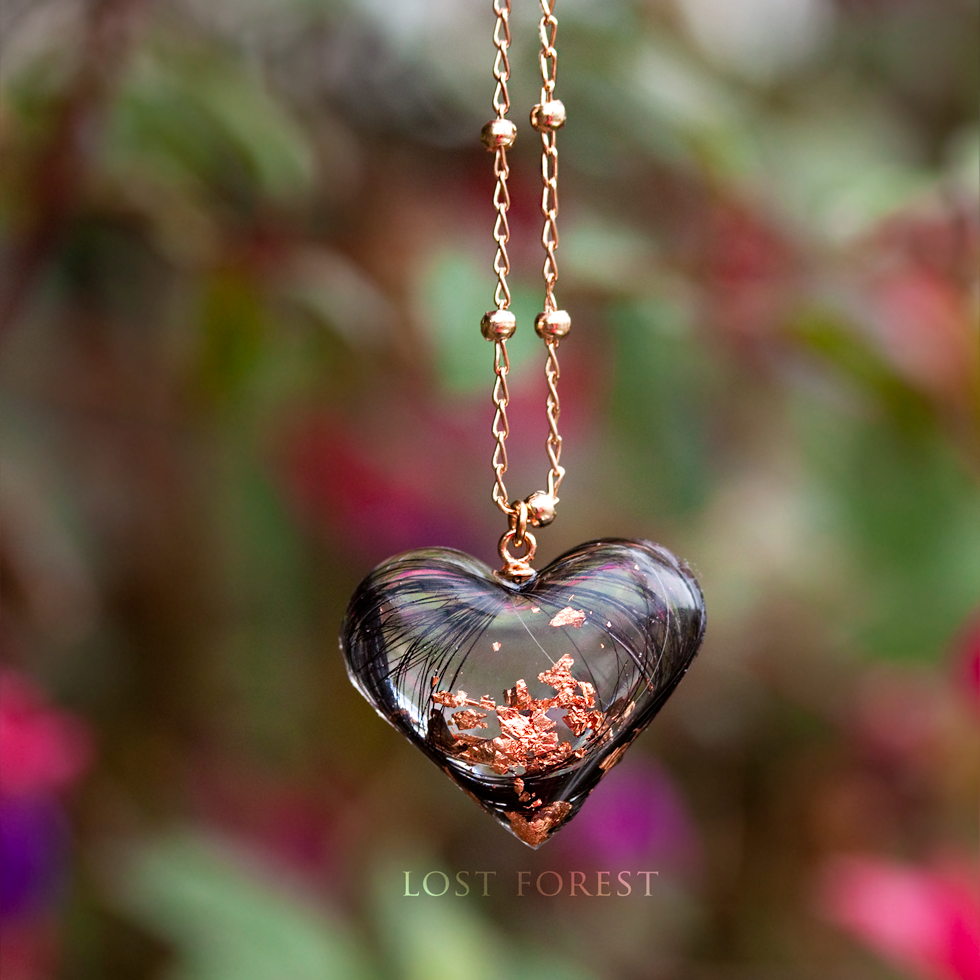 Custom necklace: horse hair & rose gold leaf - The necklace has arrived this morning and Sian loves it!Thanks so much again for your fantastic service. Please let me know how best to shout about how amazing you are!- Jack, United Kingdom