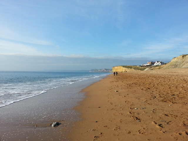 25 minutes walk to this beach, where the famous Hive Cafe is ideal for a meal with a view...