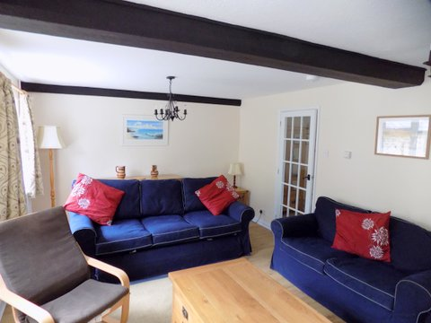 Barn Cottage sitting room 2 June 2017.jpg