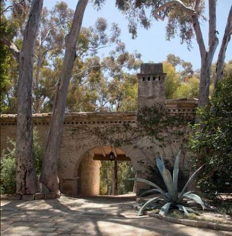 Ellen Degeneres Mansion 16