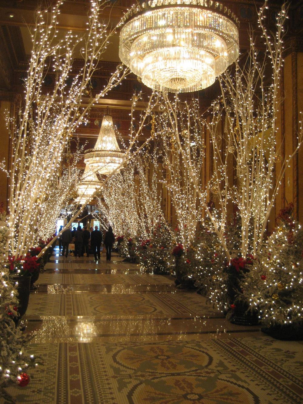 Roosevelt Hotel Lobby, Courtesy Wikimedia