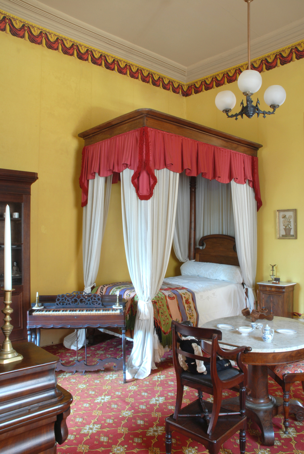 Luxury, Inequity & Yellow Fever: Living Legacies and the Story of Old New Orleans
