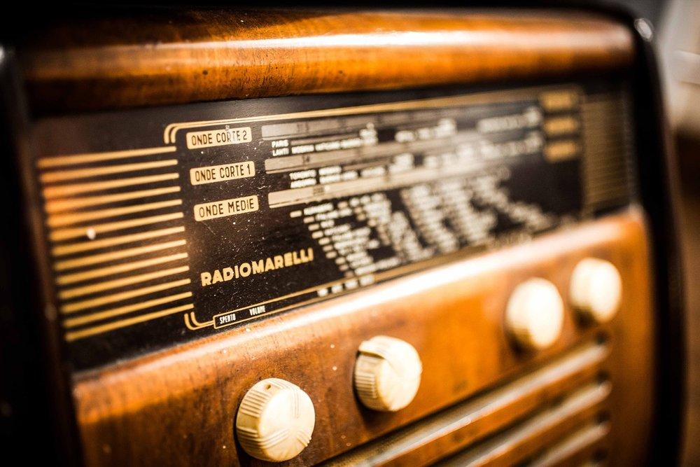 2d569-radio.jpg