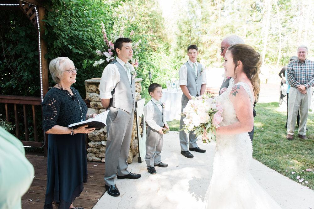 High Sierra Iris Gardens, Camino, Ca Wedding Photographer | Jennifer Lourie