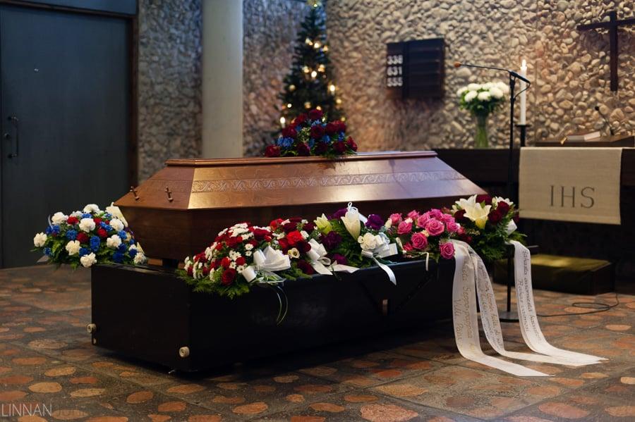 hautajaiset_valokuvaaja_oulu_10.jpg