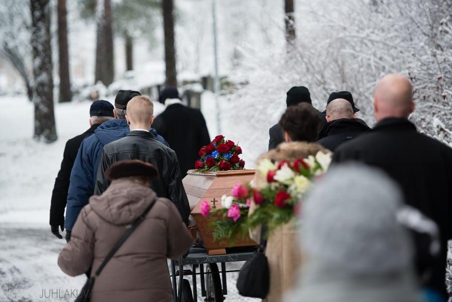 hautajaiset_valokuvaaja_oulu_12.jpg