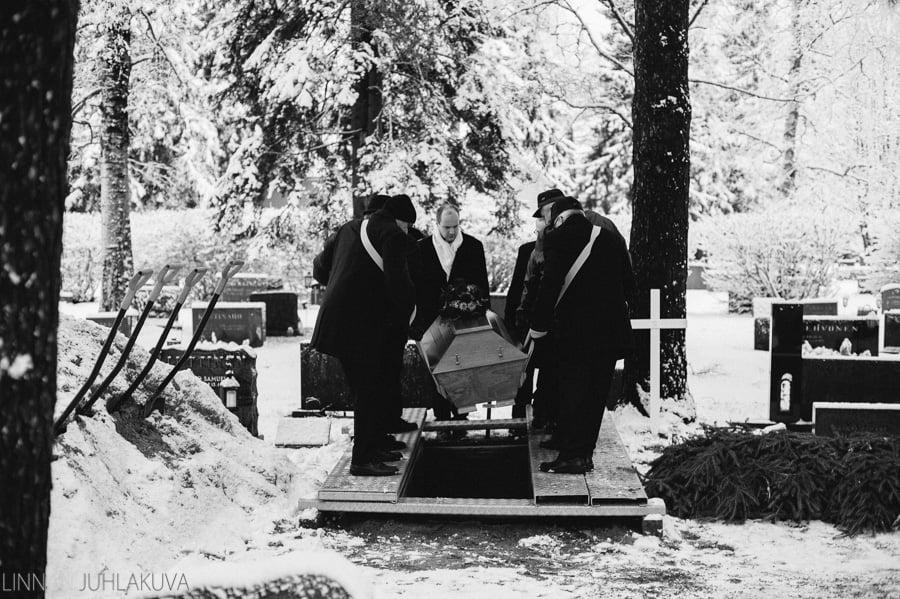 hautajaiset_valokuvaaja_oulu_15.jpg
